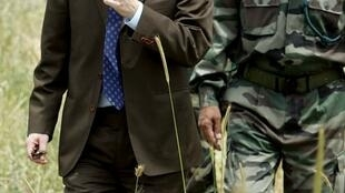 Đặc phái viên Liên Hiệp Quốc Geir Pedersen tại làng Tebnin, Liban, ngày 10/05/2007.