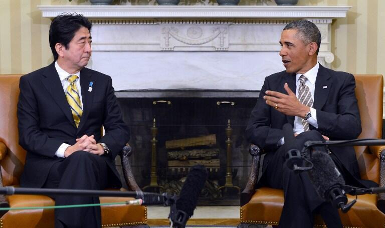 Tổng thống Mỹ Obama tiếp Thủ tướng Nhật Shinzo Abe tại Nhà trắng (AFP)