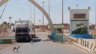 گروه دولت اسلامی، پنجشنبه ۲۱ مه گذرگاه مرزی التنف (الولید) آخرین گذرگاه مرزی میان سوریه و عراق را که در دست نیروهای دولتی سوریه بود تصرف کردند.