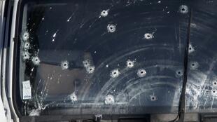 Ницца. 14 июля 2016. В грузовике, ставшем орудием преступления, террорист зачем-то оставил свидетельства против своих знакомых