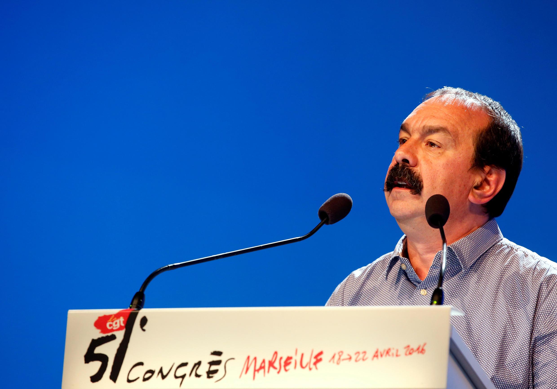 فیلیپ مارتینز رهبر س.ژ.ت هنگام سخنرانی در کنگره مارسی