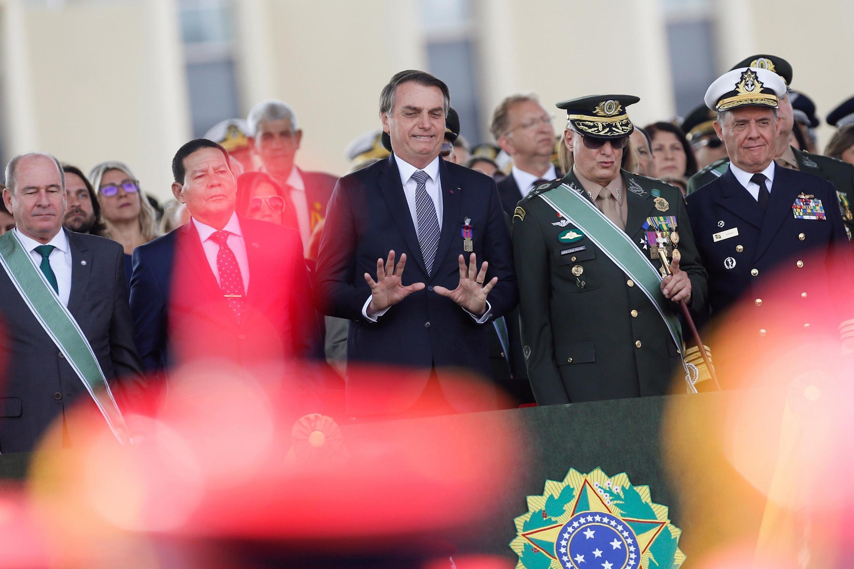 Brasil rejeita ajuda do G7 para combater incêndios na Amazônia