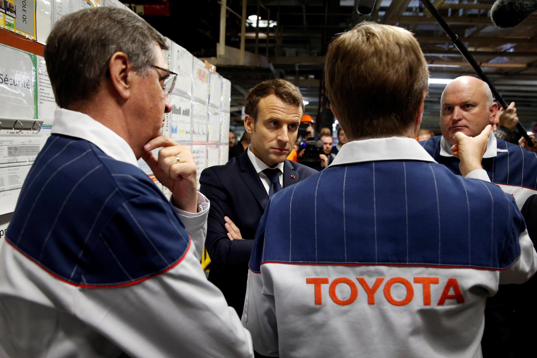 Президент Эмманюэль Макрон на заводе Toyota на севере Франции 22 января 2018