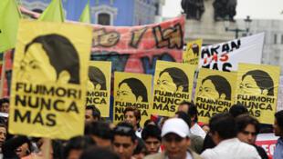 La agresividad aumenta en la campaña presidencial a 10 días de las elecciones en Perú.