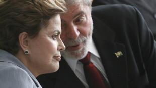 Bà Dilma Roussef (trái) và ông Lula da Silva, tại cung Planalto, Brasilia, 15/12/2010