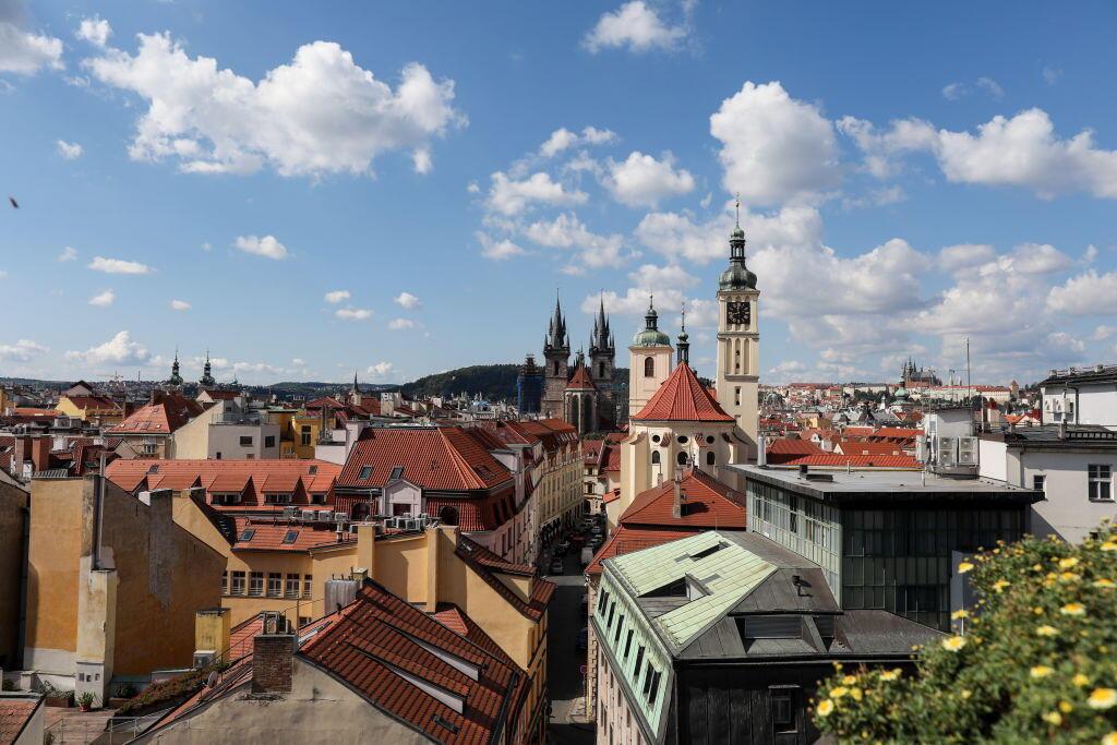 Vue d'une partie du centre historique de Prague (photo prise le 4 septembre 2017).
