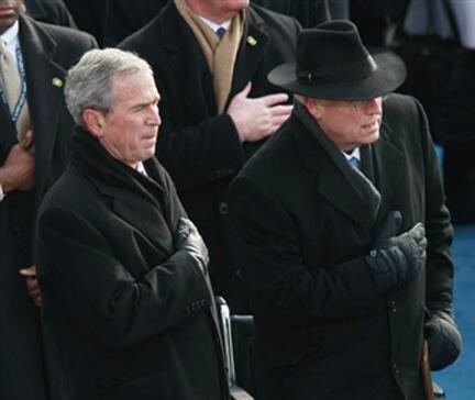 O antigo Presidente Americano George Bush e seu antigo Vice-Presidente Dick Cheney