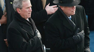 O antigo Presidente Americano George Bush e seu antigo Vice-Presidente Dick Cheney