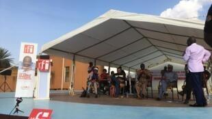 Enregistrement du Débat africain en public, à Niamey (octobre 2019).
