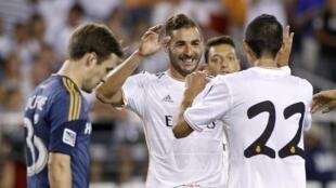 Karim Benzema yana tabewa da Di Maria a wasansu da LA Galaxy ta Amurka
