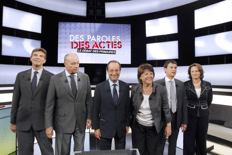 Từ trái sang phải : A.Montebourg, JM.Baylet, F. Hollande, M. Aubry, M.Valls, S. Royal