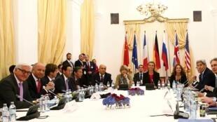 Quang cảnh một cuộc họp  về hạt nhân Iran tại Vienna, ngày 10/07/2015.