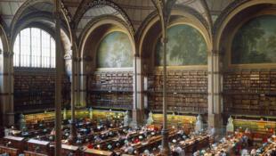 Sainte-Geneviève library, porte d'entrée sur la place du Panthéon