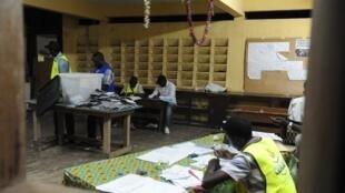 Libreville, le 27 août, jour de dépouillement.