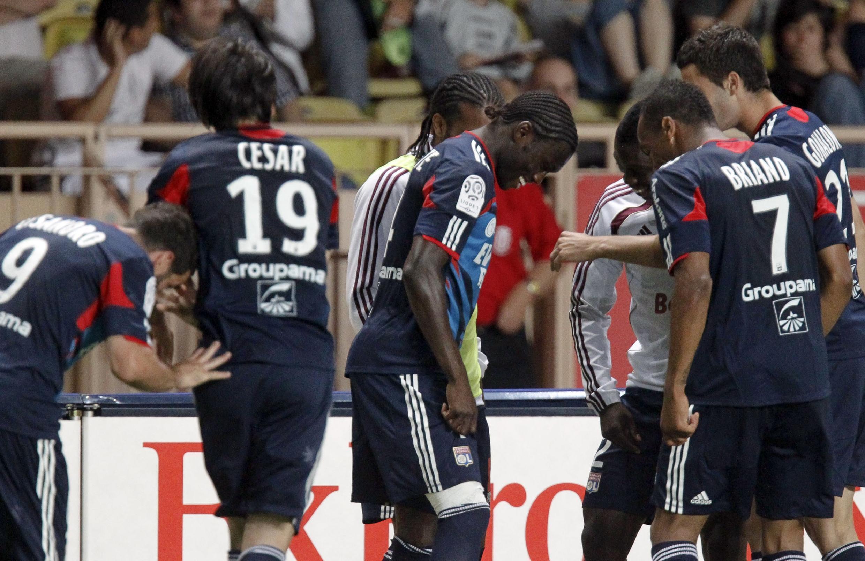 Lyon vence, vai à Liga dos Campeões e rebaixa Monaco