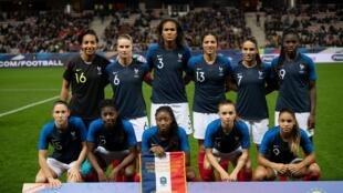 Les joueuses de l'équipe de France de football, lors du match amical gagné face au Brésil, le 10 novembre 2018.