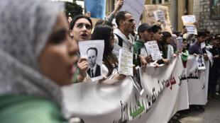 مردم الجزایر در پی استعفای بوتفلیقه خواستار برقراری یک نظام تازه در این کشور هستند