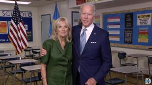 Joe Biden, investi candidat démocrate le 18 août 2020 à l'élection présidentielle, avec sa femme Jill, dans une vidéo diffusée en ligne lors de la convention démocrate.