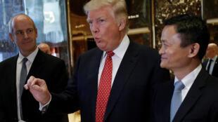 马云前往纽约特朗普大厦会见了候任美国总统特朗普 承诺五年内要为美国创造100万个就业机会