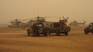 Forces spéciales maliennes et françaises à Gao, juste avant la prise de Kidal, en janvier 2013.