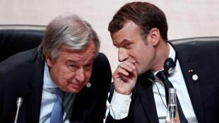 Sakataren Majalisar Dinkin Duniya Antonio Guterres tare da shugaban Faransa Emmanuel Macron.