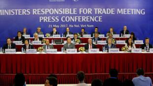 Los ministros de Comercio del Foro de Cooperación Económica Asia-Pacífico (APEC), Hanoi, 21 de mayo 2017.