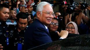 Cựu thủ tướng Malaysia Najib Razak rời Tòa Án Tối Cao ở Kuala Lumpur, ngày 03/04/2019.