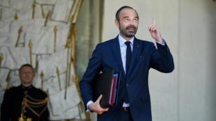 ادوار فیلیپ نخست وزیر مستعفی فرانسه.
