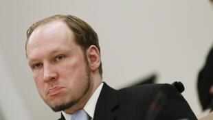 O norueguês Anders Breivik durante a última audiência de seu julgamento no tribunal de Oslo, nesta sexta-feira.