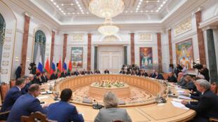 2020-09-03T124054Z_370318209_RC20RI9XHJ27_RTRMADP_3_BELARUS-ELECTION-RUSSIA (1)