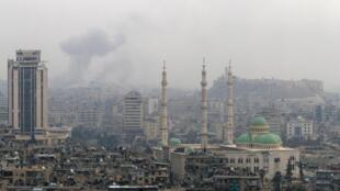 Em Aleppo, as forças do regime reconquistaram 85% do território nas mãos dos rebeldes