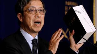 日本跨太平洋伙伴关系协定首席谈判人Kazuyoshi Umemoto2018年2月20日在东京的一次记者会上。