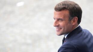 El presidente de Francia, Emmanuel Macron, en el desfile militar anual del día de la Bastilla el 14 de julio de 2020 en París