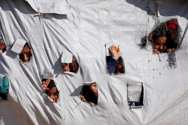 Segundo a ONG Save the Children, mais de 3500 crianças, filhas de jiadistas, estão alojados em campos de refugiados.