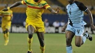 Garra Dembélé a marqué le but d'égalisation pour le Mali, le 1er février 2012.