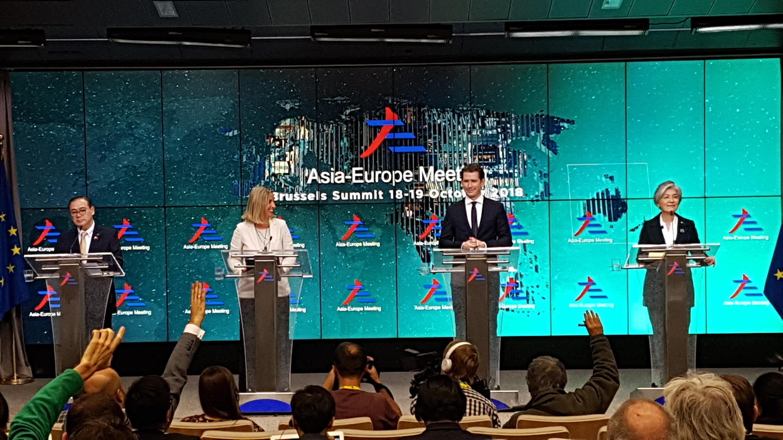 Họp báo về cuộc đối thoại cấp cao ASEM tại Bruxelles ngày 19/10/2018.