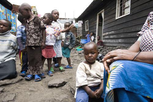 Le nombre d'enfants par femme rwandaise est d'en moyenne 5 à 6, selon un rapport du Pnud publié en 2009.