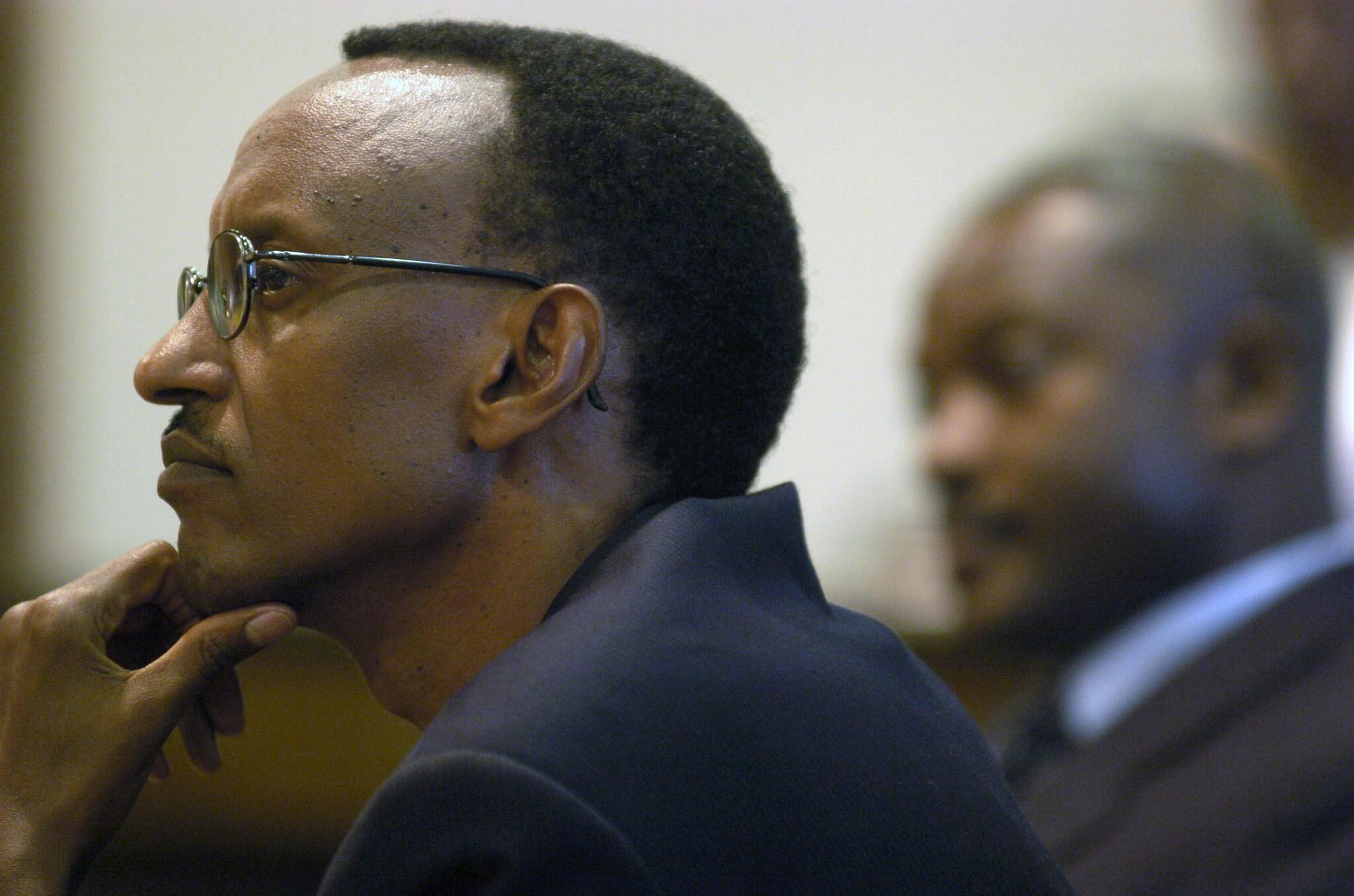 Raisi Paul Kagame wa Rwanda akiwa pamoja na raisi wa Burundi Pierre Nkurunziza