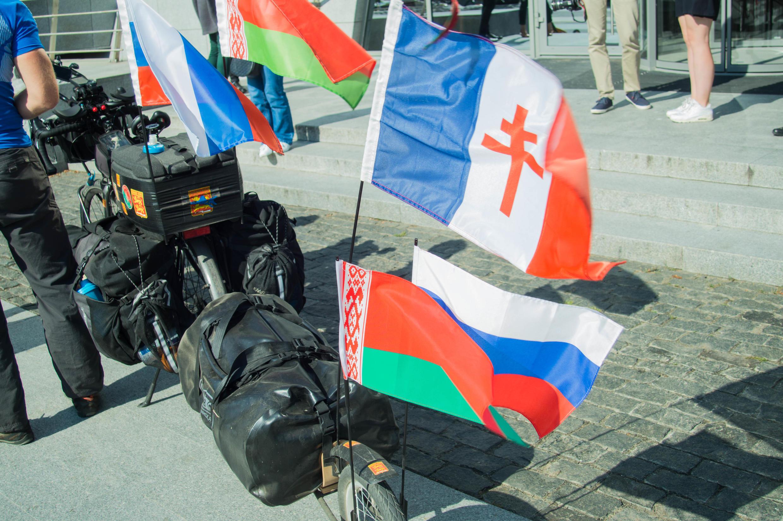 Оставновка велопробега юбилея авиаполка «Нормандия — Неман»