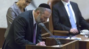 Arye Deri a occupé les fonctions de ministre de l'Economie puis de la Périphérie au sein de l'actuel gouvernement Netanyahu.