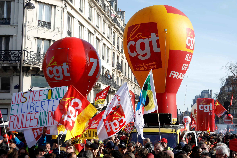 Đoàn biểu tình của công đoàn CGT trong cuộc xuống đường tại Paris cùng với một số công đoàn khác và những người Áo Vàng ngày 05/02/2019.