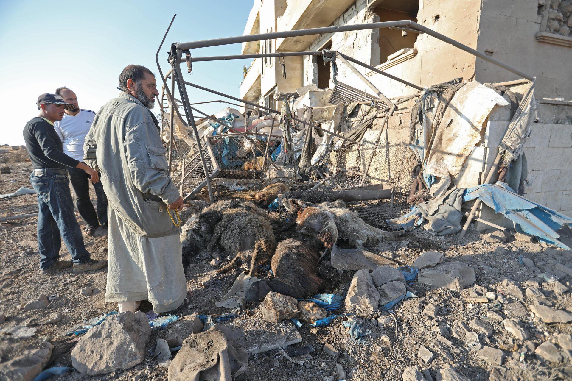 Последствия авиаудара, приписываемого российским ВВС, в одной из деревень в Идлибе. 11 сентября 2019 г.