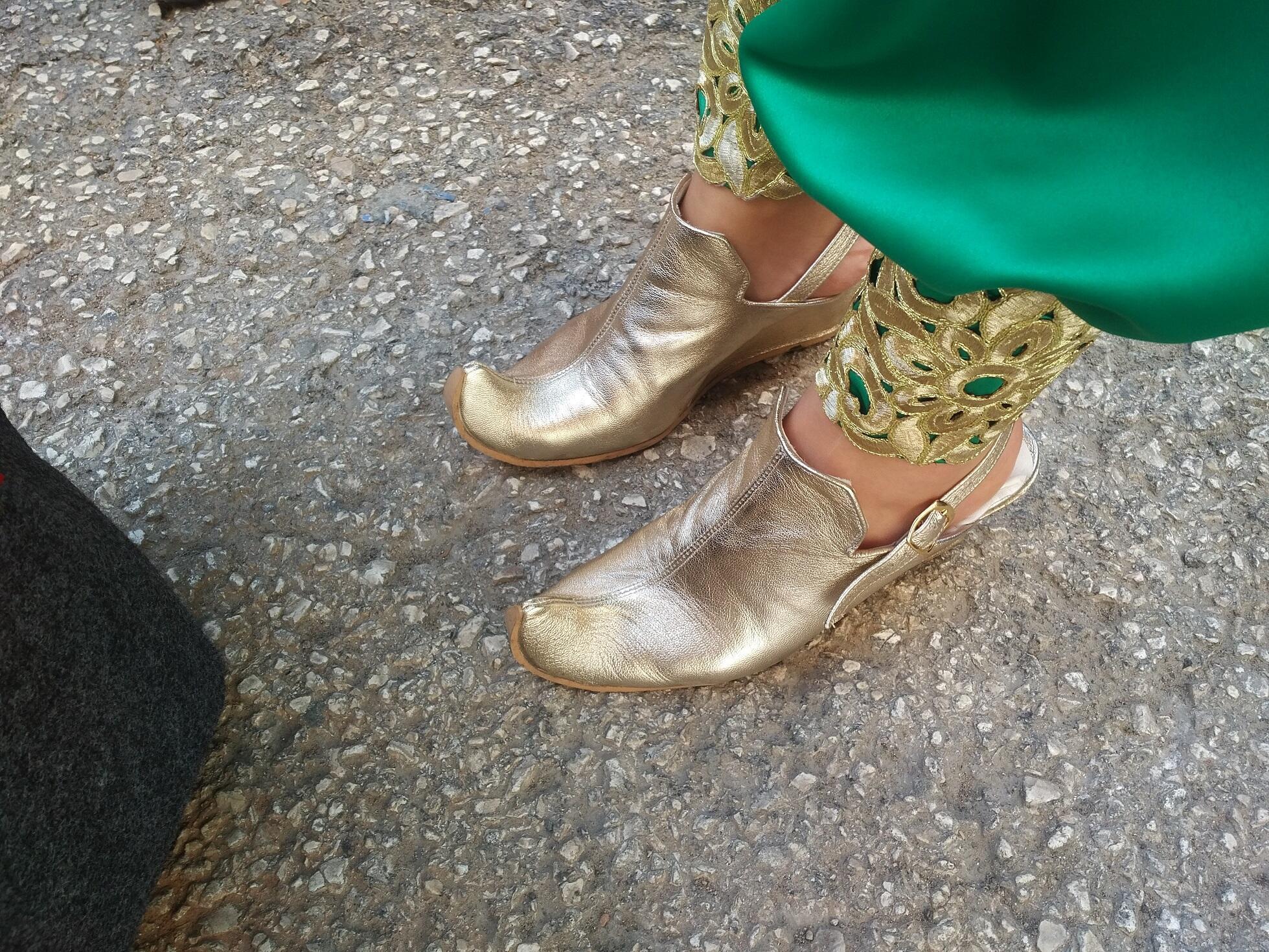 Zapatos de la comparsa Almanzárabe.