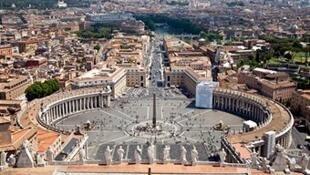 Vue de la place Saint-Pierre de Rome. A l'approche de Pâques, les Italiens s'inquiètent d'une possible action terroriste.