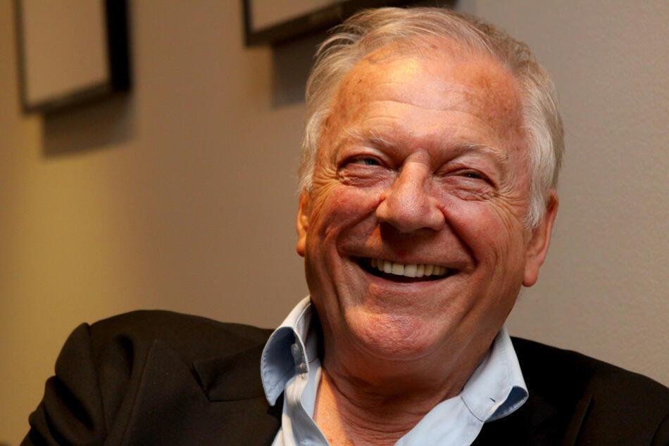 El escritor y periodista Alan Riding.