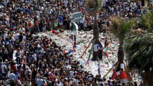 Le 18 juillet 2016, la foule s'était retrouvée sur la promenade des Anglais pour rendre hommage aux victimes de l'attentat de Nice.