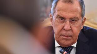 Глава российского МИДа Сергей Лавров отметил, что санкции уже приняты, о чем вскоре будут уведомлены Франция и Германия.