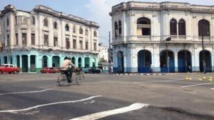 Un carrefour de La Havane, près du centre historique.
