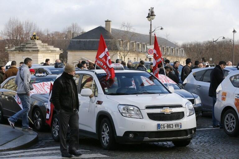 Manifestation des taxis parisiens contre les VTC en  janvier 2014