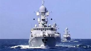 پنجمین ناوگروه نیروی دریایی روسیه در بندر انزلی در دریای خزر پهلو گرفت